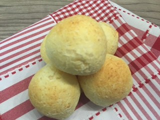 Pão de queijo de ricota Mão na massa